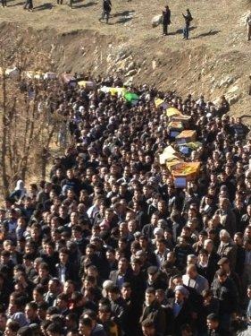 Uludere'de ölen 35 köylü toprağa verildi 6