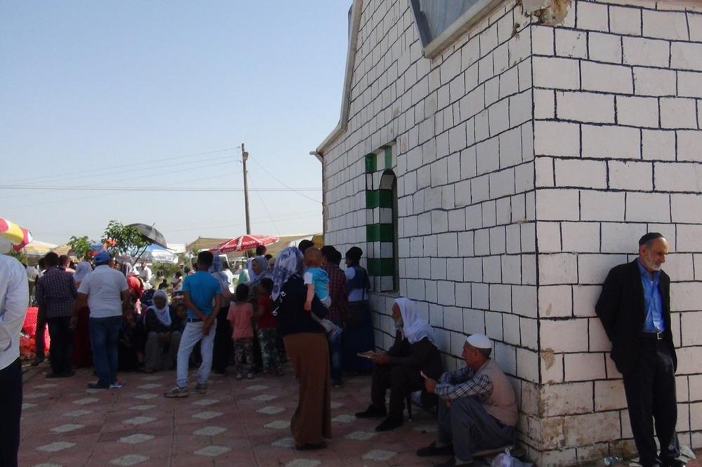 Şeyh Abdurrahman Aktepe'nin türbesine ziyaretçi akını 2
