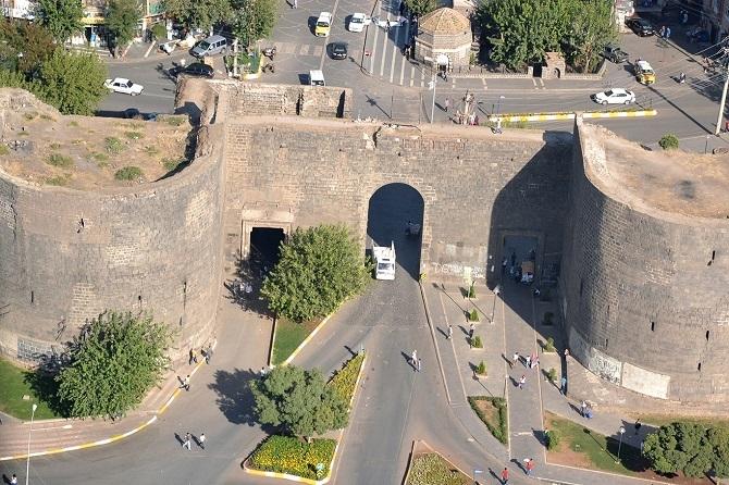Sûrên Diyarbekirê di Lîsteya Mîretayê ya Dinyayê de ye 1