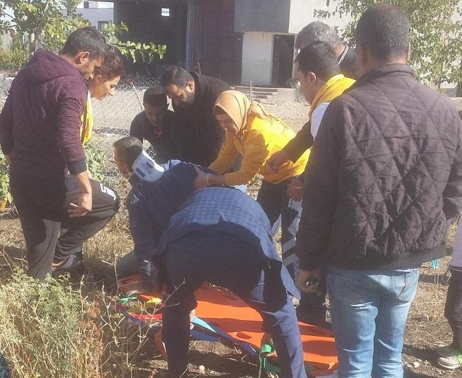 Bismil'in Tepe Mahallesinde  inşaat çöktü: 5 yaralı 1