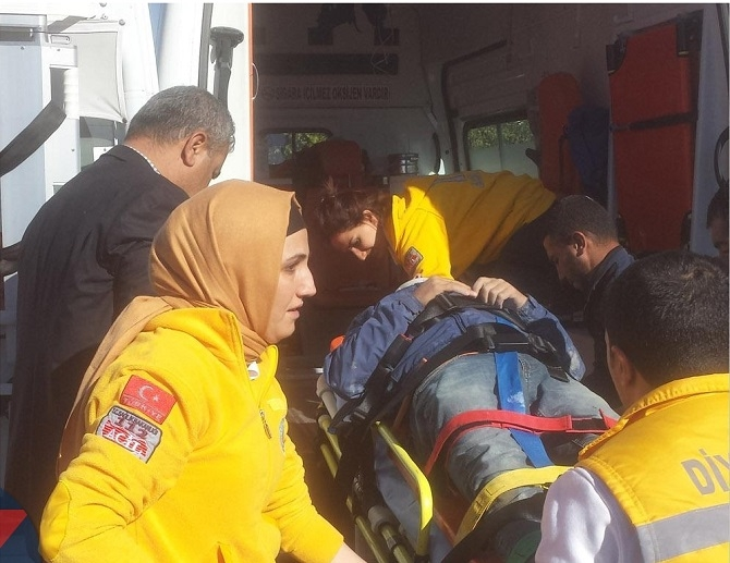 Bismil'in Tepe Mahallesinde  inşaat çöktü: 5 yaralı 3