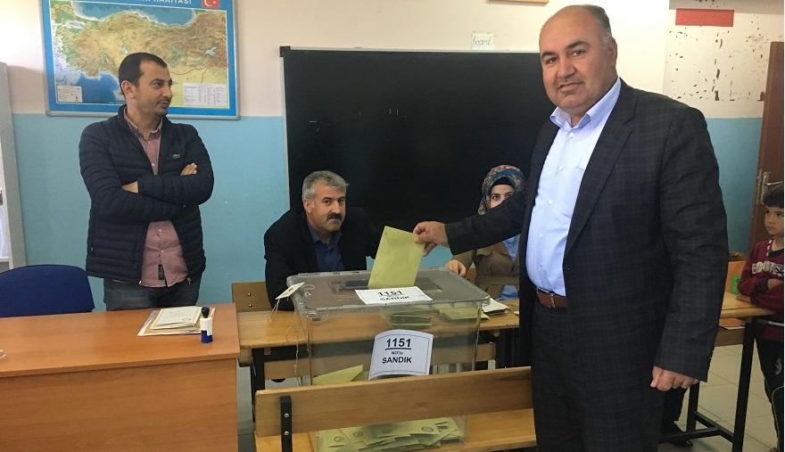Bismil'de Referandumda oy verme işlemi başladı 4