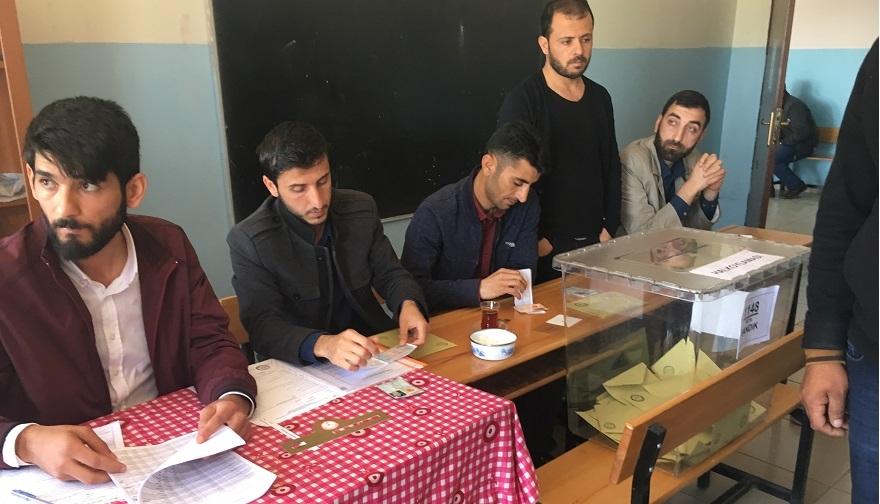 Bismil'de Referandumda oy verme işlemi başladı 9