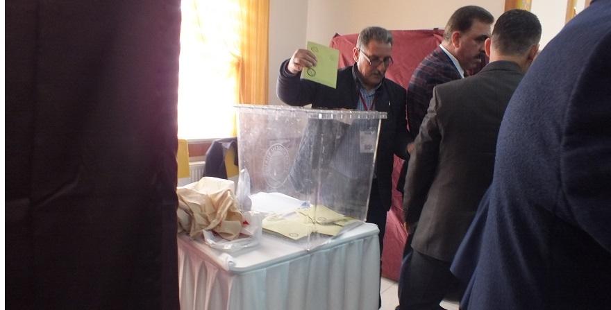 AK Parti Bismil İlçe Kongresinde 2 aday yarışıyor 1