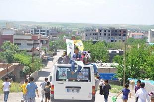 HDP, Bismil'de Ev ziyaretleri ile Seçim Çalışmaları sürdürüyor.