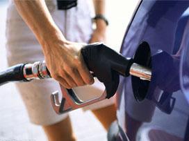 Benzin ve motorin fiyatları zamlandı