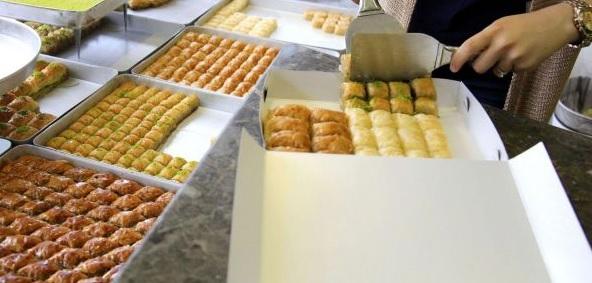 Korsan tatlıcı ve kalitesiz tatlılara dikkat!