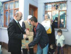 Gönüllülerin ziyaretinde gözyaşı sel oldu