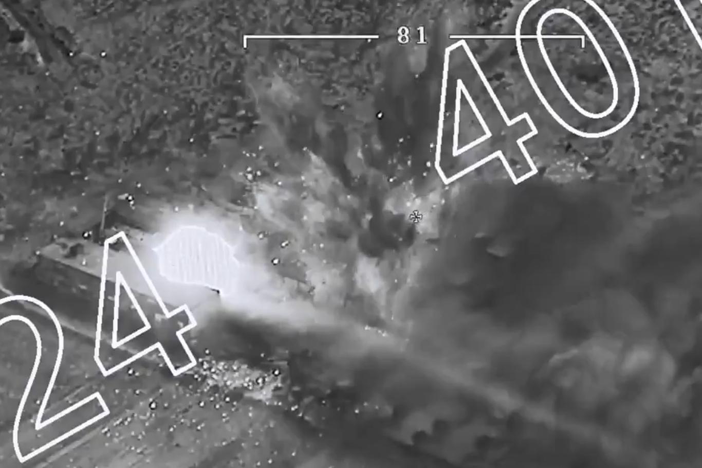 TSK silah ve mühimmat deposunun vurulma görüntülerini paylaştı