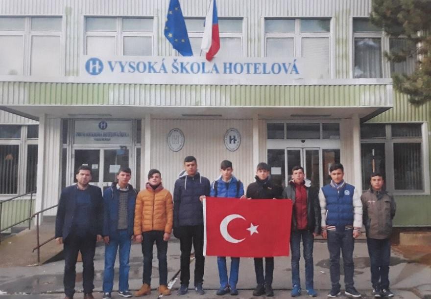 Bismilli Öğrenciler Staj İçin Avrupa'ya Gitti
