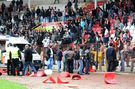 Diyarbakırspor Elazığspor- Maçında Olaylar Çıktı