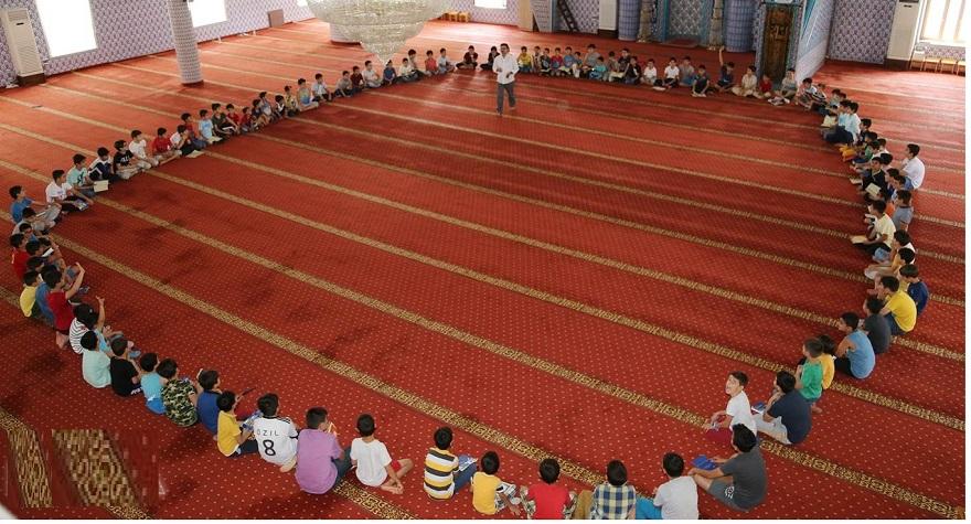 Çocuklarımızı Kur'an ile büyütmemiz lazım