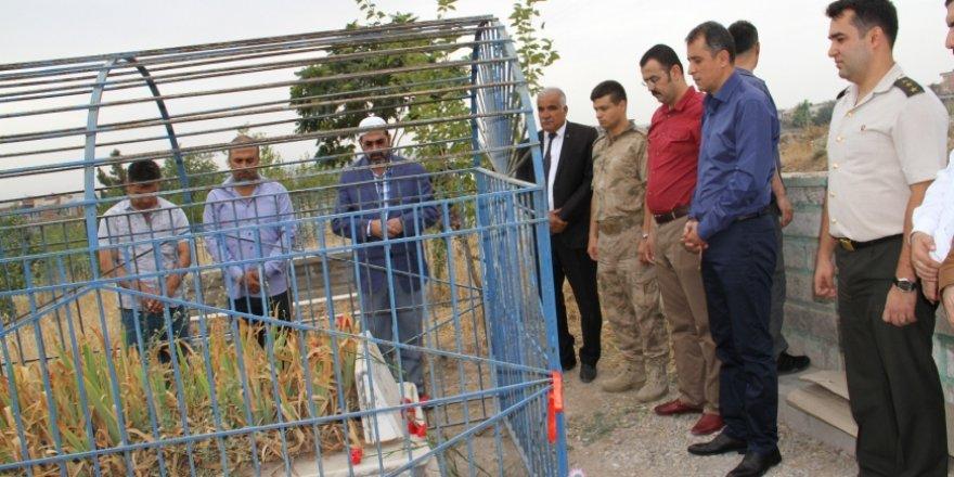 Bismil'de 15 Temmuz Etkinlikleri Kapsamında Şehit Kabirleri Ziyaret Edildi