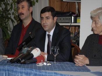 Demirtaş: BDP'ye Karşı Siyasi Darbe Yürütülüyor