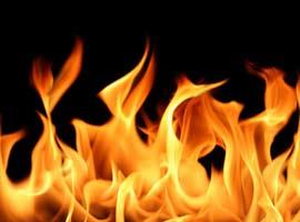 Deprem Çadırında Yangın; 2 Çocuk Öldü