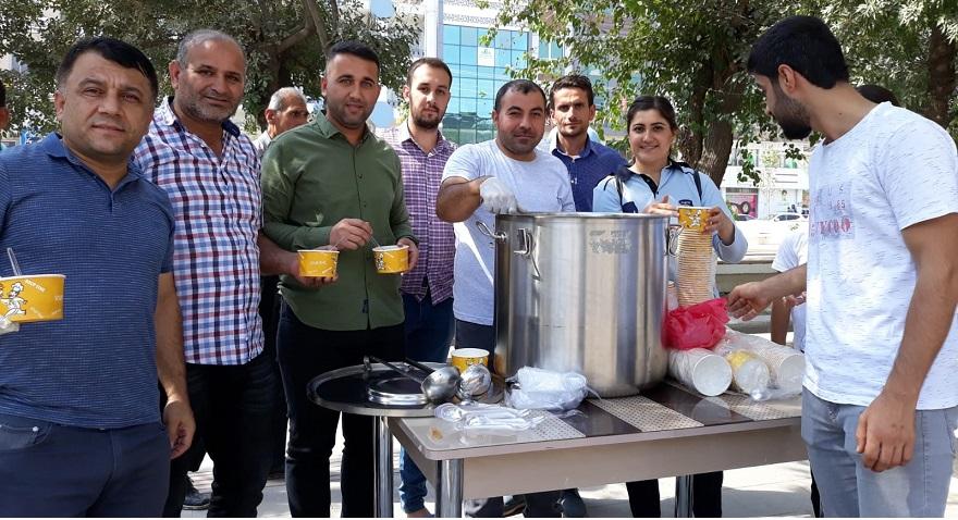 Bismil Belediyesi 3 Bin Kişiye Aşure Dağıttı