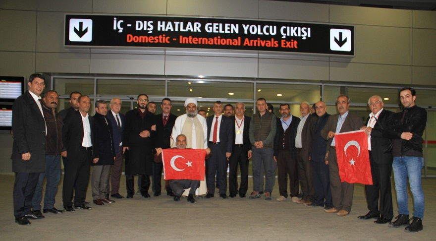 Kaymakam Yüksel, Umreden Dönen Şehit Yakınlarını Havaalanında Karşıladı