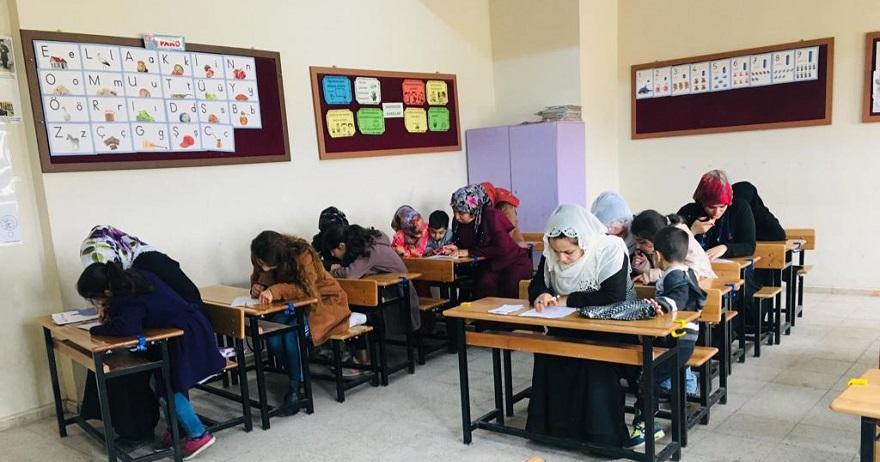 Bismil de bir ilkokul Sosyal Medya bağımlılığına karşı okuma kampanyası başlattı.