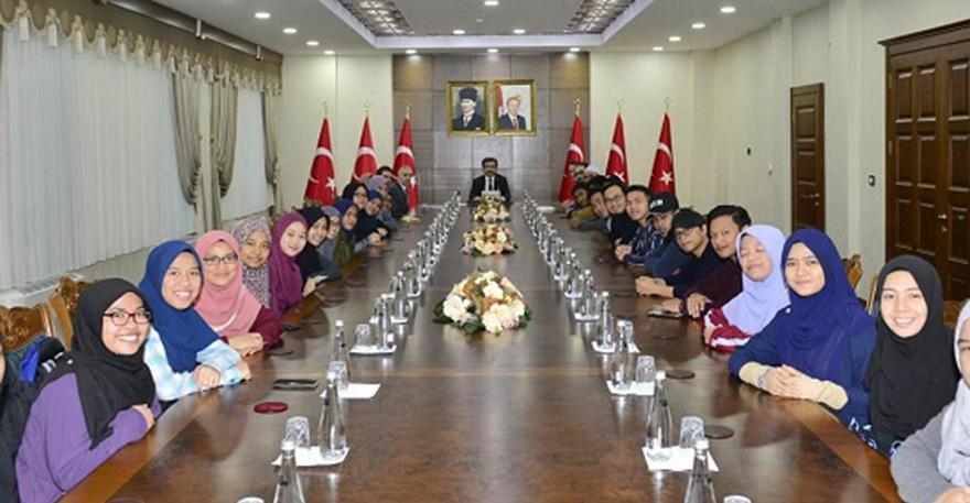 Malezyalı öğrenciler Diyarbakır'ı ziyaret etti