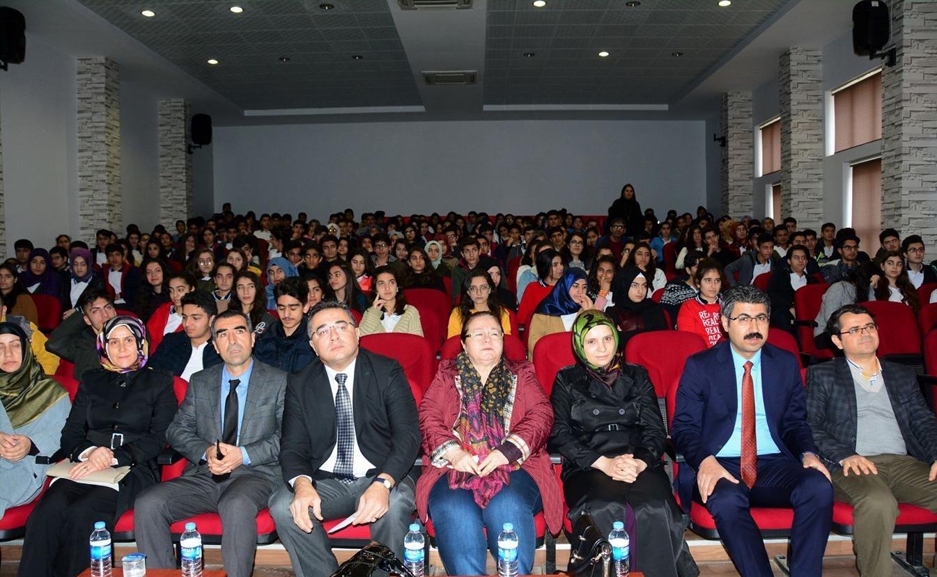 """Diyarbakır'da """"kanserden korunma"""" konferansı"""