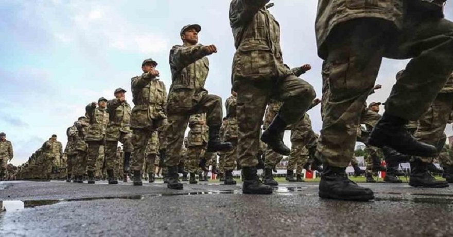 Askerliği 6 aya indiren teklif Meclis'te kabul edildi