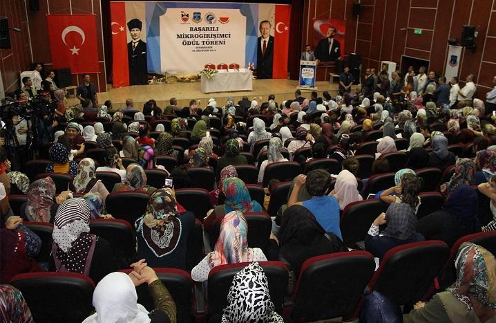 Diyarbakır'da mikrogirişimcilere ödülleri verildi
