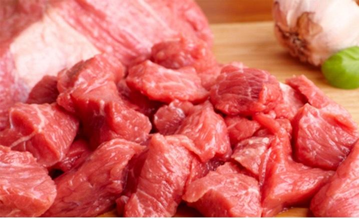 Ete köfteye domuz eti katıyorlar
