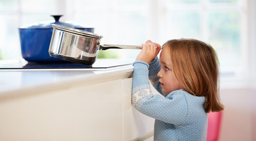Çocukları ev kazalarına karşı korumanın yolları