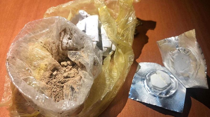 Ağzında uyuşturucu gizleyen şüpheli gözaltına alındı
