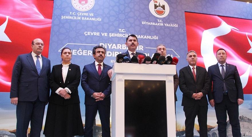 Bakan Kurum Diyarbakır'da yapılacak projelerle ilgili bilgi verdi