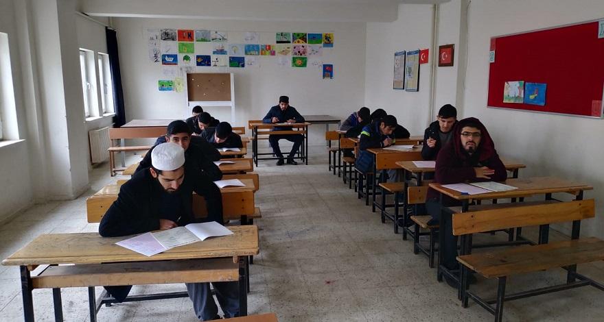 Bismil'de Siyer Sınavı 2 bin kişinin katılımı ile gerçekleşti.