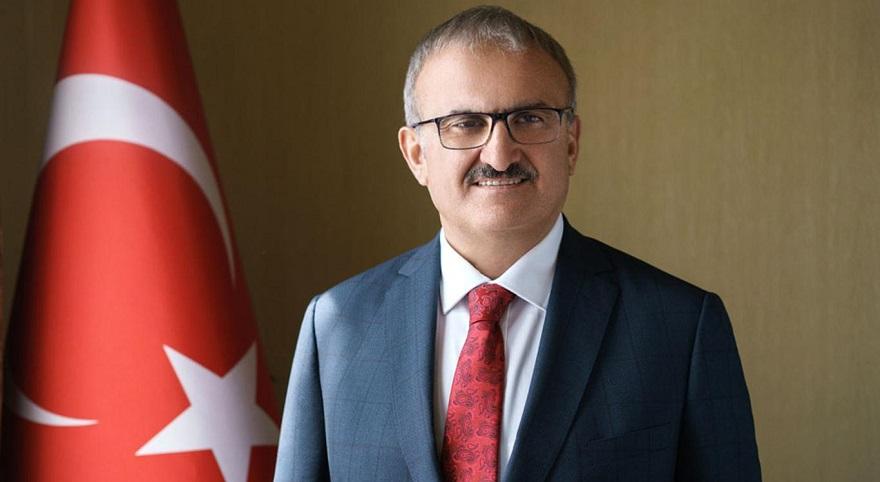 Yeni Diyarbakır Valisi Münir Karaloğlu'dan 'Çiçek göndermeyin, bağış yapın' çağrısı
