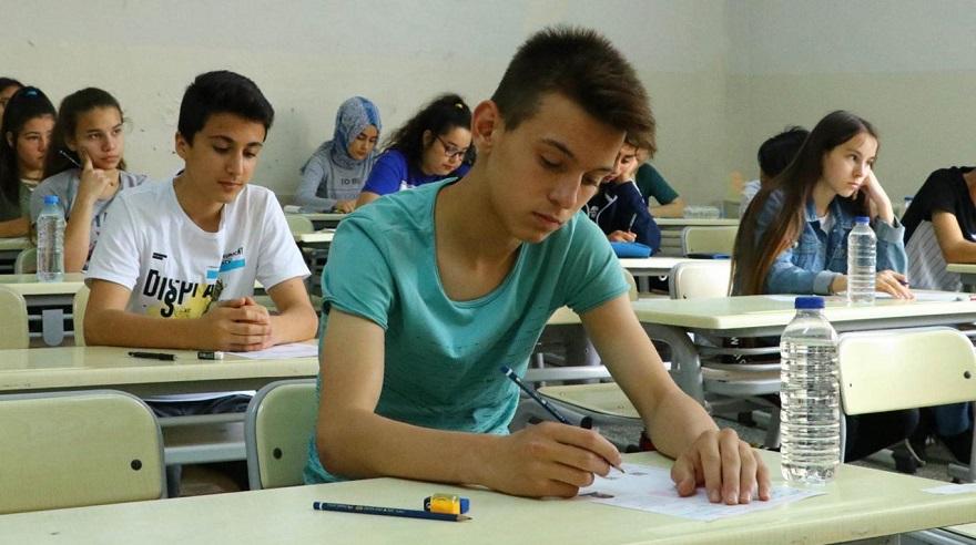 1.8 milyon öğrenci yarın LGS'de ter dökecek