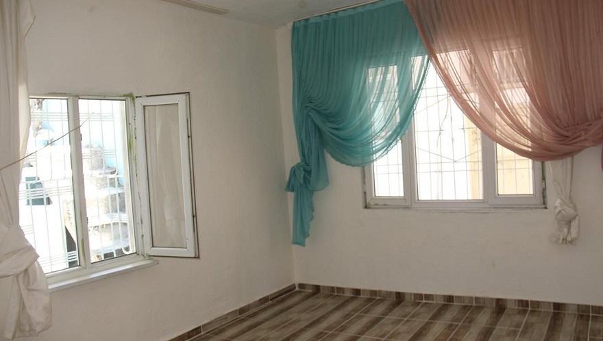 Yetimler Vakfı bir yetim ailenin daha evini onardı