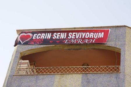 Silvan'da afişli ilanı aşk