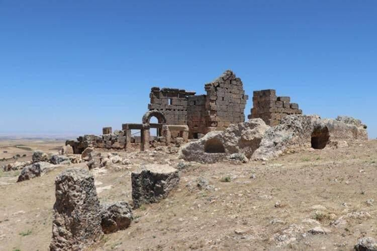 Rotschild ve Rockefeller aileleri, Diyarbakır'daki Zerzevan kalesinde ne arıyor?