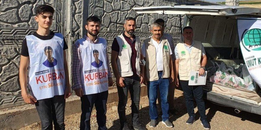 Bismil Umut Kervanı, 700 muhtaç aileye kurban eti dağıttı