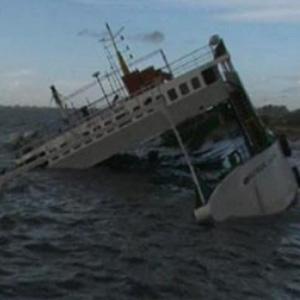 380 Göçmeni Taşıyan Gemi Battı