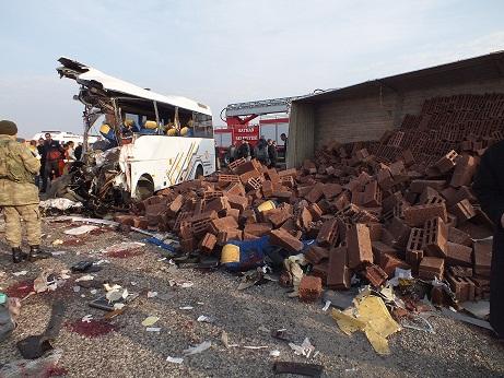 Bismil'de Feci Kaza: 25 Ölü