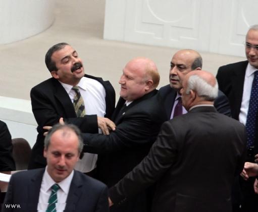 Meclis'te AKP ve BDP Gerginliği