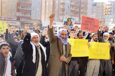 Hizbullah'tan 'Oyunda ben de varım' mesajı