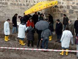 Eker, Diyarbakır'da yapılan kazılara ilişkin açıklama yaptı