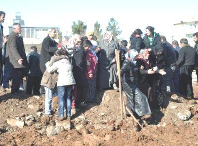 D.Bakır'da Öğretmen Cinneti: 4 Ölü