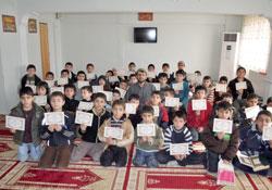 Kuran'ı Güzel Okuma ve Namaz Öğretme Programı Sona Erdi