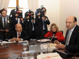Meclis Alt Komisyonu 4+4+4'ü kabul etti