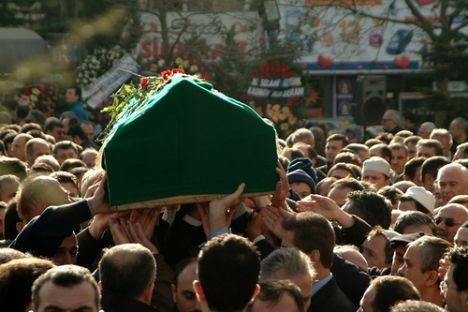 Ağır Yaralı Genç Hayatını Kaybetti