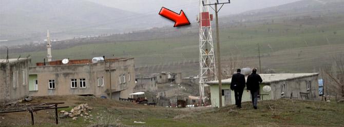 ABD'li firma köy meydanından petrol çıkardı