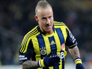 Fenerbahçeli Stoch trafik kazası geçirdi