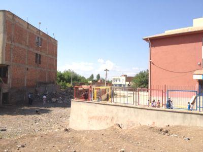 Madde Bağımlısı Gençlerin Barınağı Haline Gelen Harabe Ev Yıkıldı