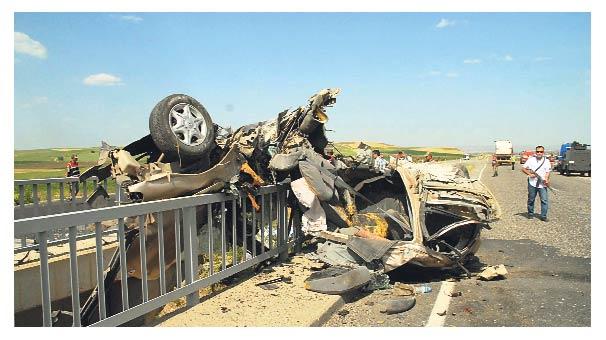 Kazada ölen 4 öğretmen toprağa verildi
